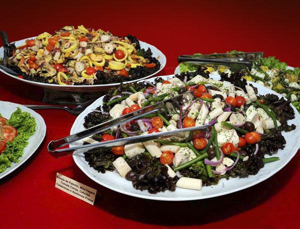 Pratos de salada da Casa de Espanha